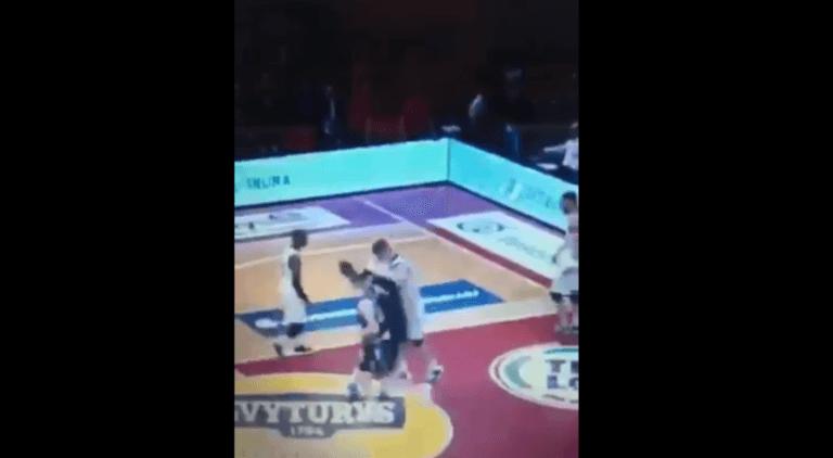 Έγινε… Ζιντάν και κουτούλησε αντίπαλο του! Χαμός στο παρκέ – video