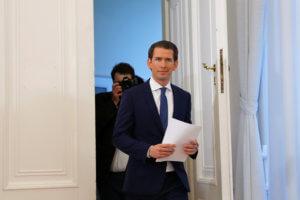 Αυστρία: «Κουρτς, παραιτήσου» λέει ο προηγούμενος καγκελάριος