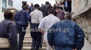 Λαμία: «Δεν έχω κάνει κάτι» λέει ο πατέρας που κατηγορείται ότι έκανε κόλαση τη ζωή της κόρης του [pics]