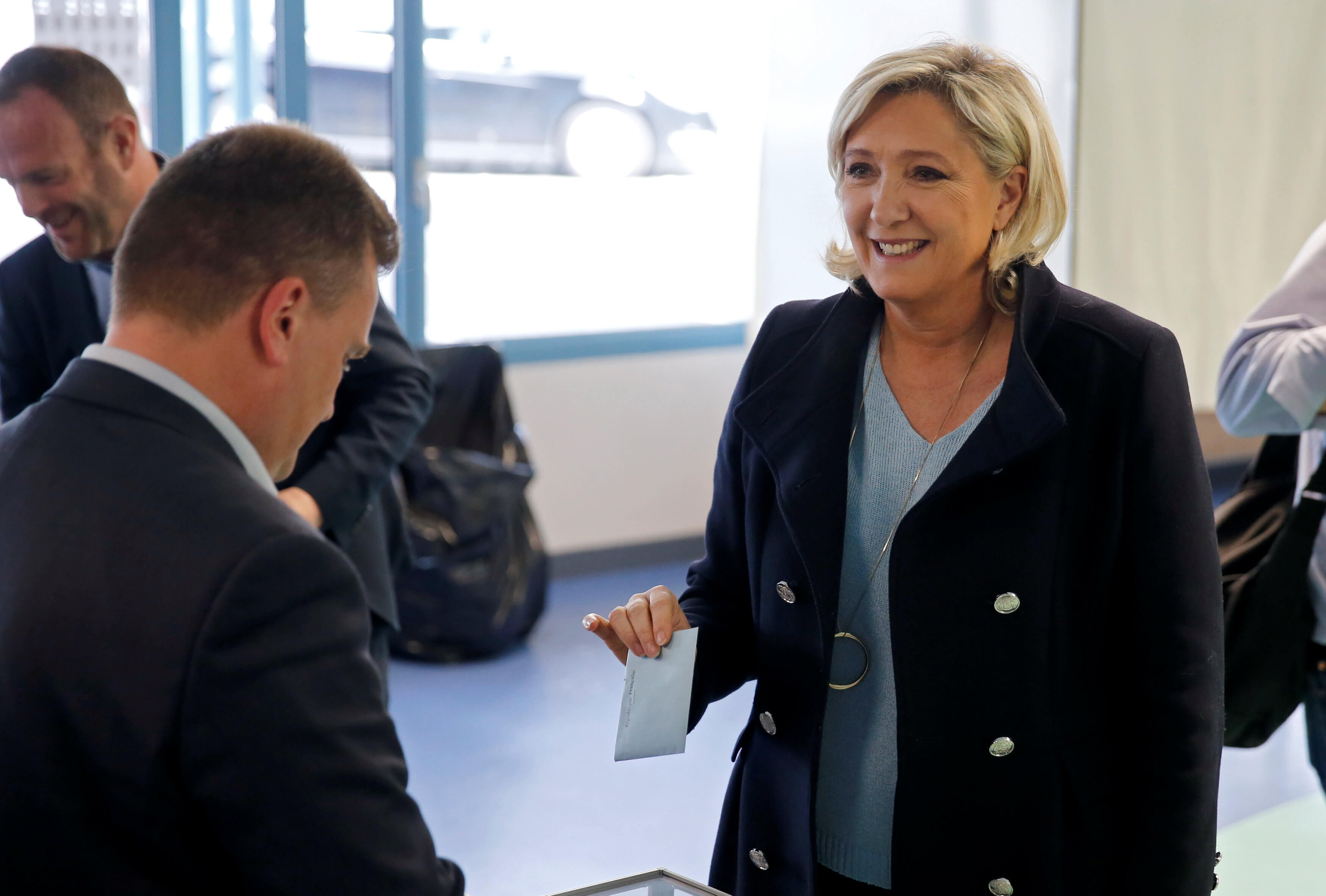 Ευρωεκλογές 2019: Τρόμος στη Γαλλία – Πρώτη η Λε Πεν σύμφωνα με τα exit poll