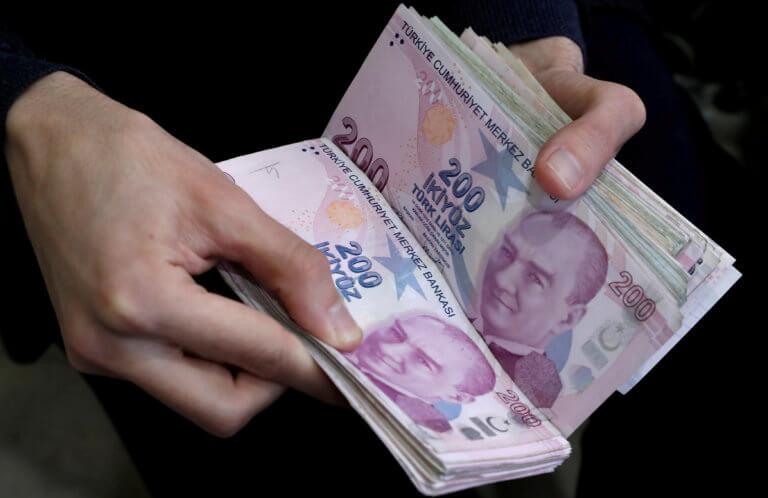 Τουρκία: Κατρακύλα χωρίς τέλος για την λίρα