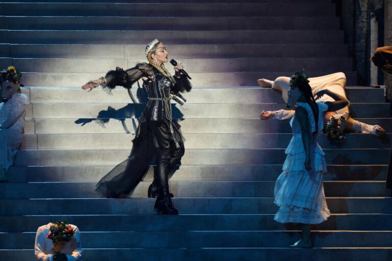 Madonna μας δουλεύεις; «Πείραξε» το βίντεο από την Eurovision