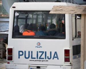 Μάλτα: Διώξεις σε δύο στρατιώτες για ρατσιστική δολοφονία ενός μετανάστη