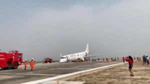 Αεροπλάνο προσγειώθηκε χωρίς τους μπροστινούς τροχούς – Τρόμος στην καμπίνα – video
