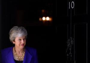 Daily Telegraph: Δεύτερο δημοψήφισμα για το Brexit σχεδιάζει η Μέι