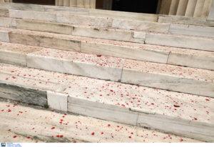 Βουλή – Επίθεση Ρουβίκωνα: Η αντίδραση του Ποταμιού [pics]