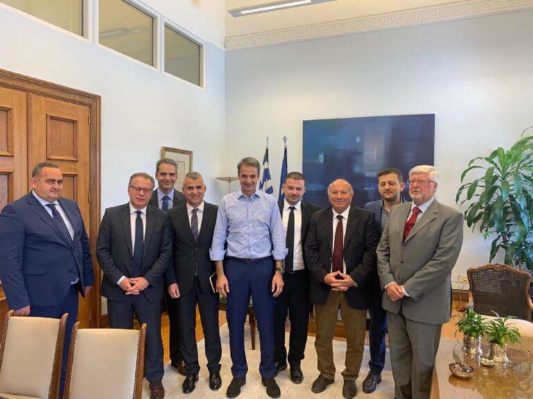Με εκπροσώπους της ελληνικής μειονότητας της Αλβανίας συναντήθηκε ο Κυριάκος Μητσοτάκης