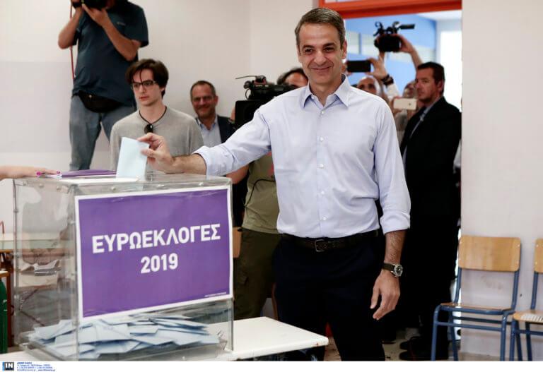 Εκλογές 2019: Με τον γιο του στην κάλπη ο Μητσοτάκης