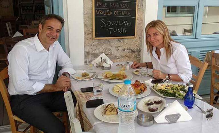 Μητσοτάκης – Μαρέβα, γεύμα για δυο στην παλιά πόλη του Ναυπλίου [pics]