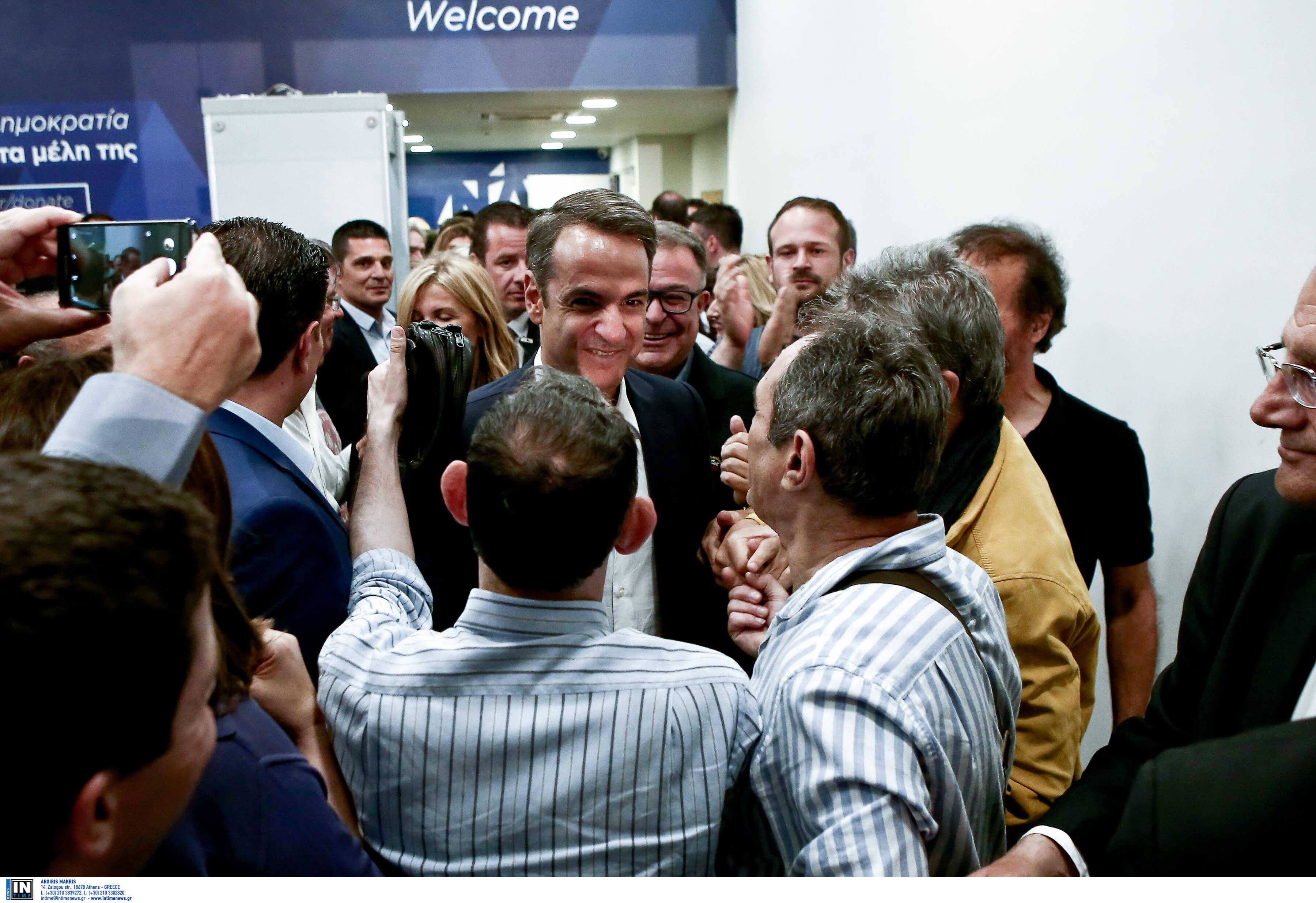 Πάνω από 9% η διαφορά ΝΔ - ΣΥΡΙΖΑ! Χαμόγελα Μητσοτάκη μετά την προκήρυξη εκλογών από τον Τσίπρα
