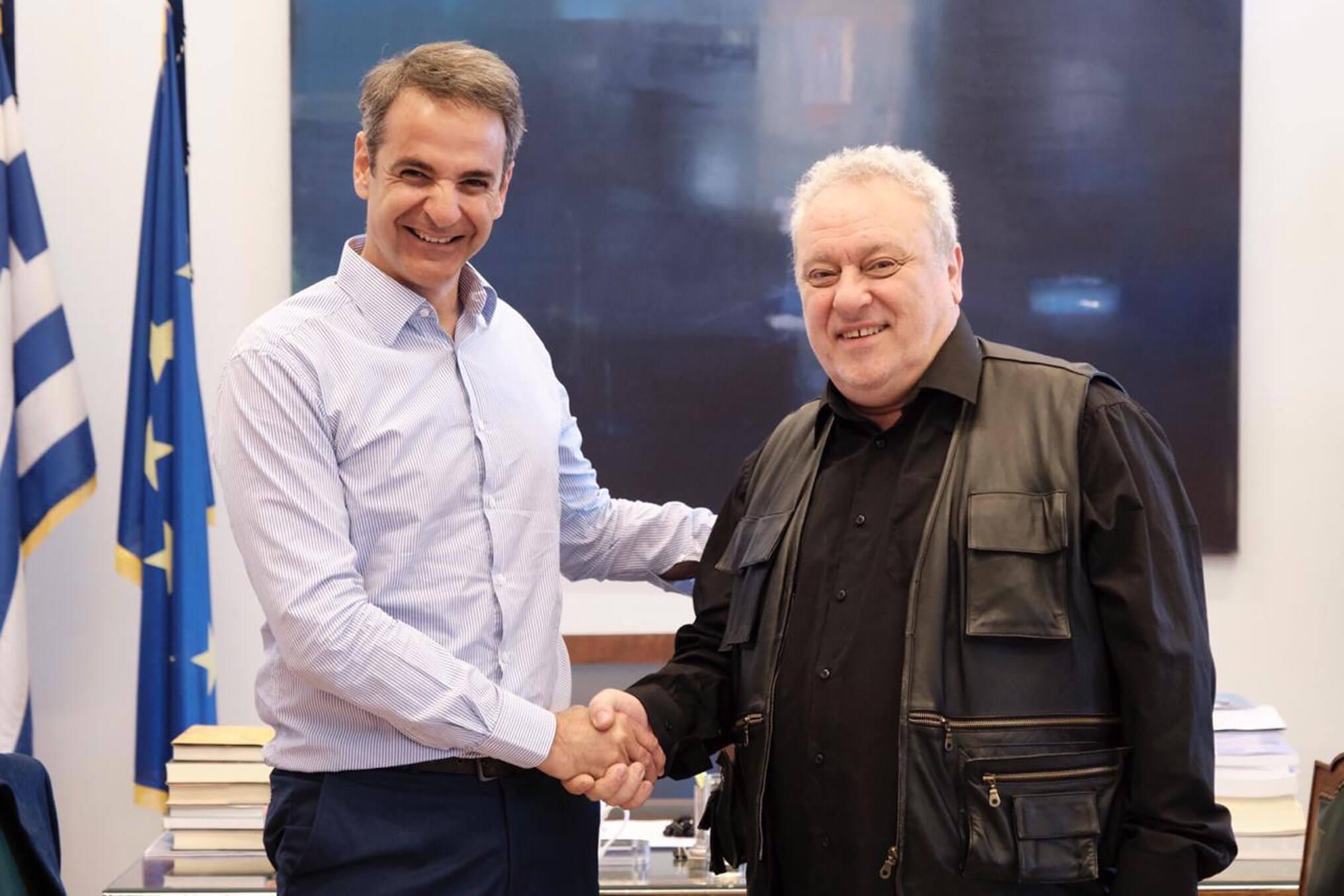 Έδωσαν τα χέρια Μητσοτάκης – Ψαριανός: Υποψήφιος στη Β' Αθηνών ο… βουλευτής του Ποταμιού
