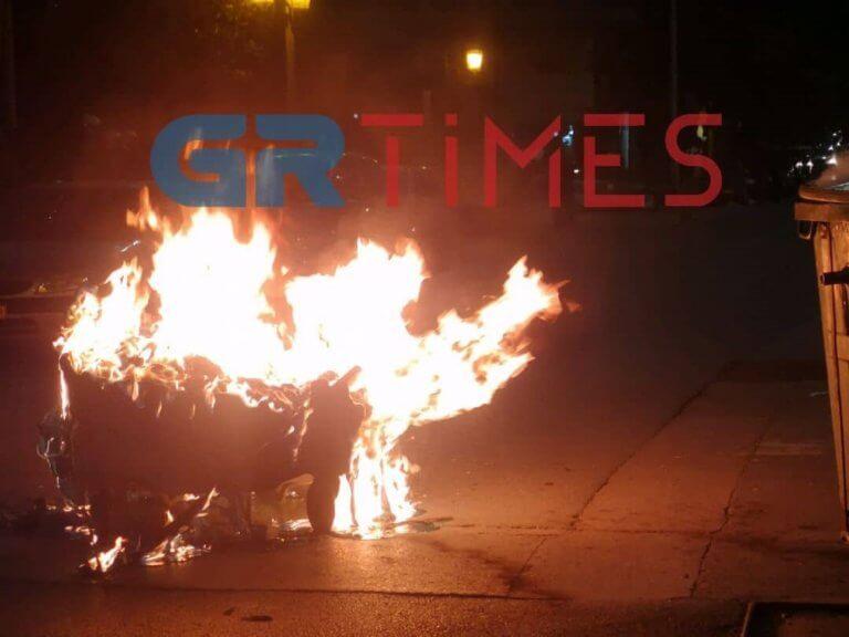 Επίθεση αντιεξουσιαστών με μολότοφ σε αστυνομικούς στη Θεσσαλονίκη – video