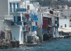 Ελεγκτές με μαγιό στα νησιά – Άγριο κράξιμο για την φοροδιαφυγή από Γερμανική εφημερίδα