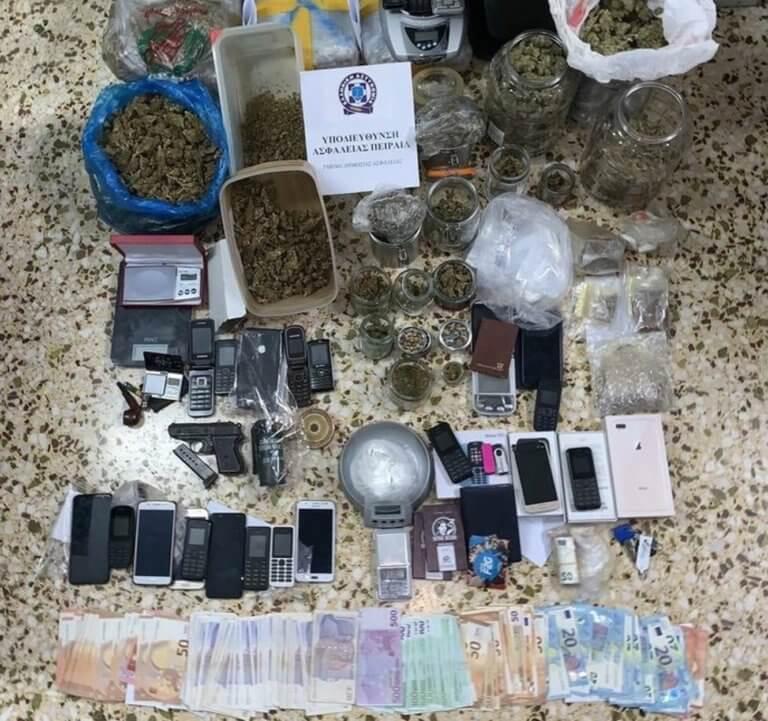 Αστυνομικός σε κύκλωμα διακίνησης ναρκωτικών!