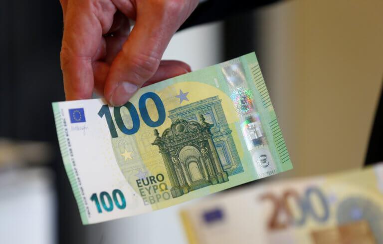 Αυτά είναι τα νέα χαρτονομίσματα των 100 και των 200 ευρώ [pics]