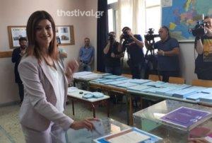 """Η Κατερίνα Νοτοπούλου ψήφισε """"με το αριστερό"""" – video"""