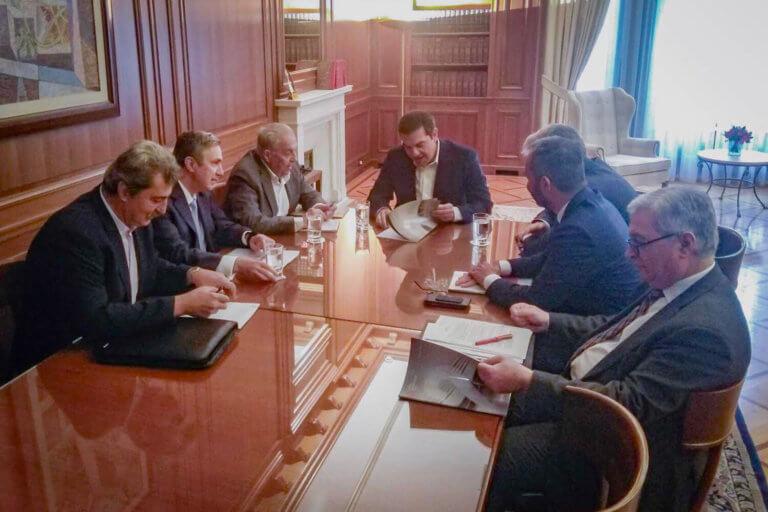Σύσκεψη στο Μαξίμου για την επιστροφή του Ερρίκος Ντυνάν στο ελληνικό δημόσιο