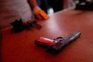 Ημαθία: Το σπίτι του ήταν γεμάτο όπλα και λαθραία τσιγάρα