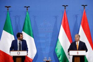 Συμμαχίες κατά της μετανάστευσης αναζητούν Όρμπαν και Σαλβίνι