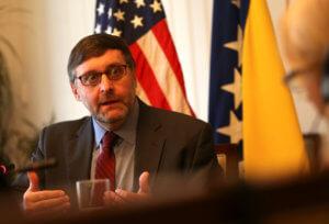 «Αποθέωση» Τσίπρα και Ζάεφ από τον αρμόδιο υφυπουργό εξωτερικών των ΗΠΑ