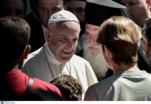 Λέσβος: Επίσκεψη εκπροσώπων του Πάπα Φραγκίσκου – «Δεν ξεχνάει ποτέ το προσφυγικό πρόβλημα»!