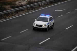 Επεισοδιακή καταδίωξη στην Εγνατία – Έριξε το αμάξι σε χωράφι