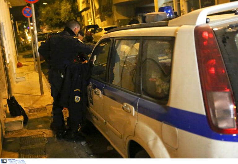 Τρίκαλα: Μαχαίρωσε τη γυναίκα του μέσα στο αυτοκίνητο – Πάτησε φρένο και έβγαλε σουγιά!