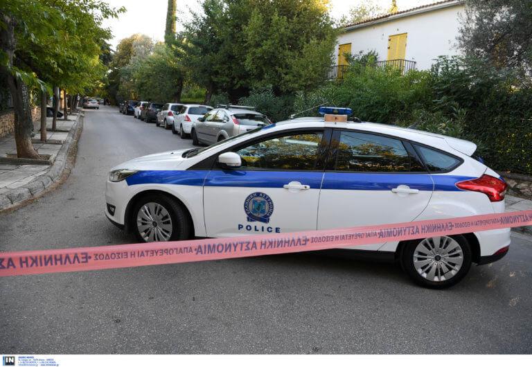 Θρίλερ στο Παλαιό Φάληρο – 53χρονη βρέθηκε μαχαιρωμένη στη μέση του δρόμου!