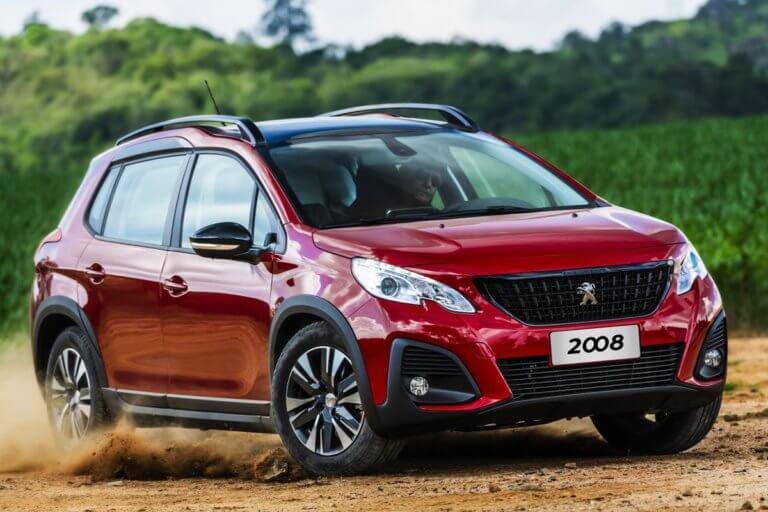 Νέο, φρεσκαρισμένο Peugeot 2008