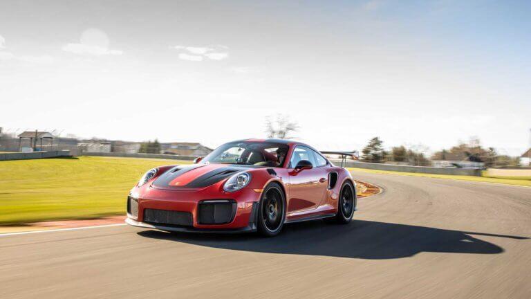 Ακόμα ένα ρεκόρ για την Porsche 911 GT2 RS [vid]