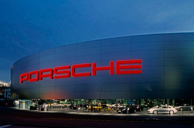 Έρευνα εισαγγελέων στα γραφεία της Porsche για υπόθεση διαφθοράς