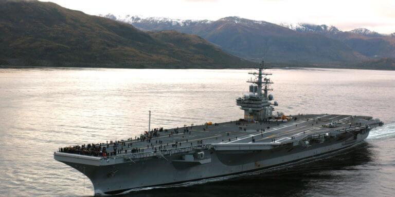 Ξεκινάει περιπολία το αεροπλανοφόρο των ΗΠΑ USS Ronald Reagan στην πιο επικίνδυνη περιοχή [pics]