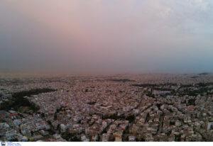 Καιρός – Καλλιάνος: Σαββατοκύριακο με σκόνη, λασποβροχή και νοτιάδες