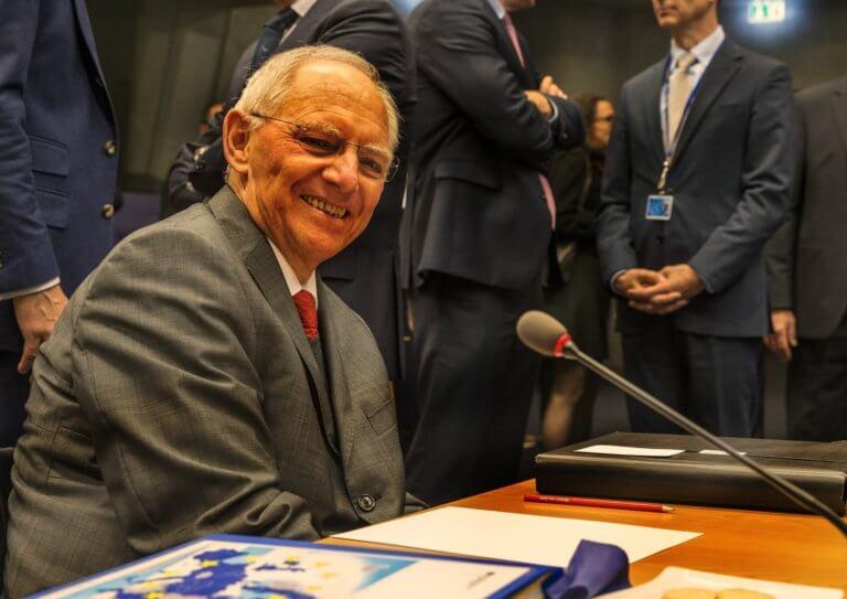 Αποθέωση Τσίπρα από Σόιμπλε: «Συμπεριφέρθηκε σαν statesman στο Μακεδονικό»