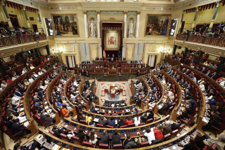 Ισπανία: Βγήκαν από τη φυλακή για να ορκιστούν οι Καταλανοί βουλευτές!