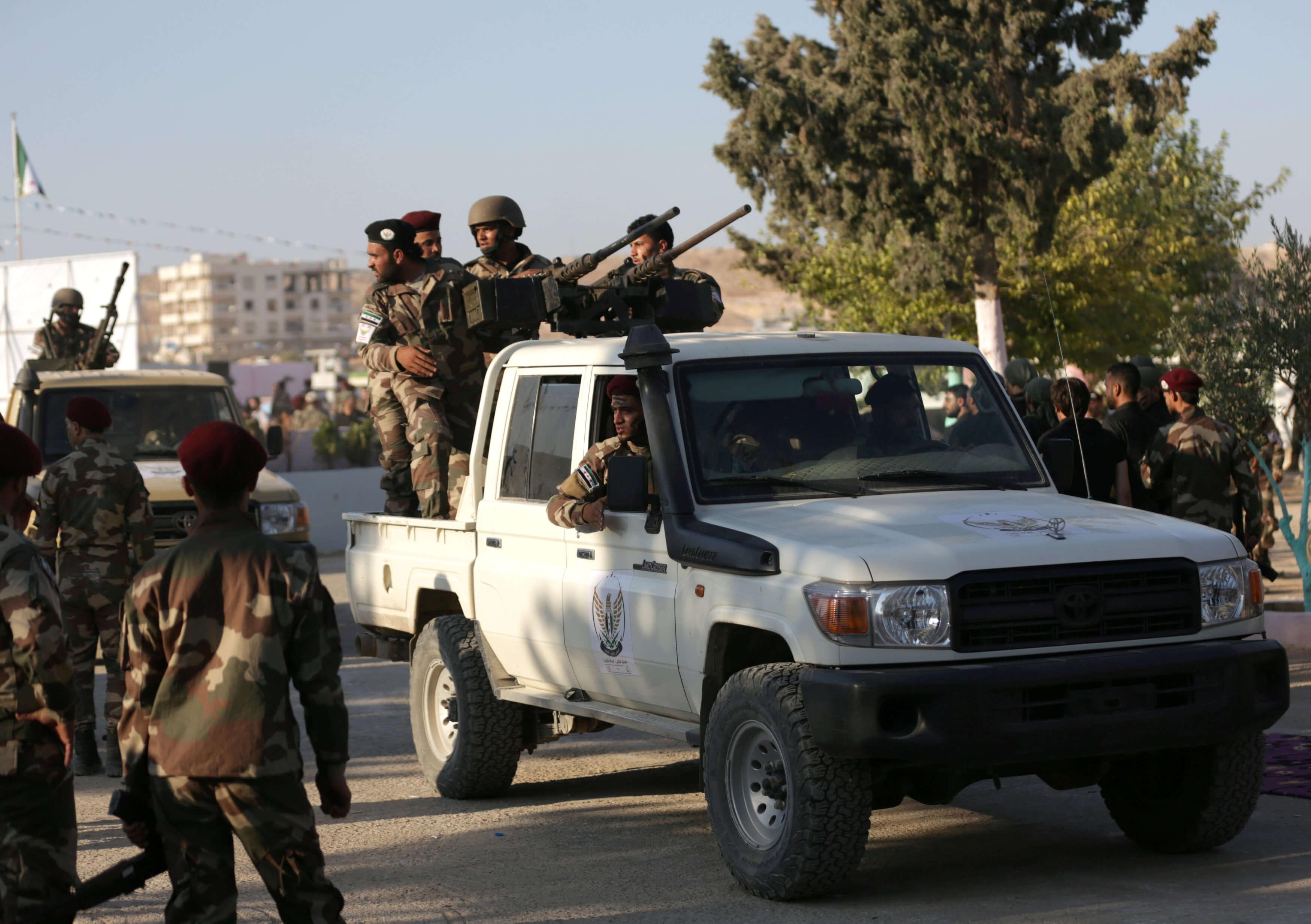 Η Άγκυρα εξοπλίζει Σύρους αντάρτες για να απωθήσουν τις δυνάμεις της Δαμασκού