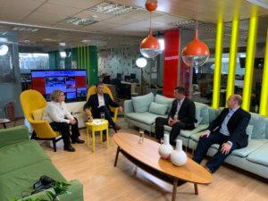 Newsit – εκλογές: Οι παροχές και το στοιχειωμένο debate
