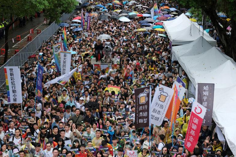 Έγραψε ιστορία η Ταϊβάν! Νομιμοποίησε τους γάμους ομοφυλοφίλων [pics]