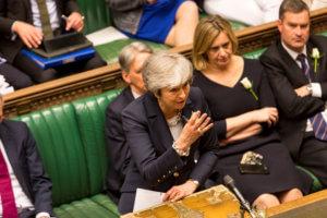 Brexit: Νομοσχέδιο για την αποχώρηση θα καταθέσει τον Ιούνιο η Μέι