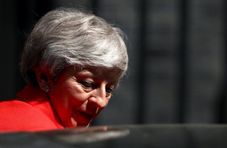 Brexit: Σκούρα τα πράγματα για τη Μέι – Δύσκολα θα εγκριθεί η συμφωνία