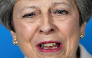 "Brexit: ""Λίφτινγκ"" στην συμφωνία από τη Μέι μήπως και περάσει από τη Βουλή"