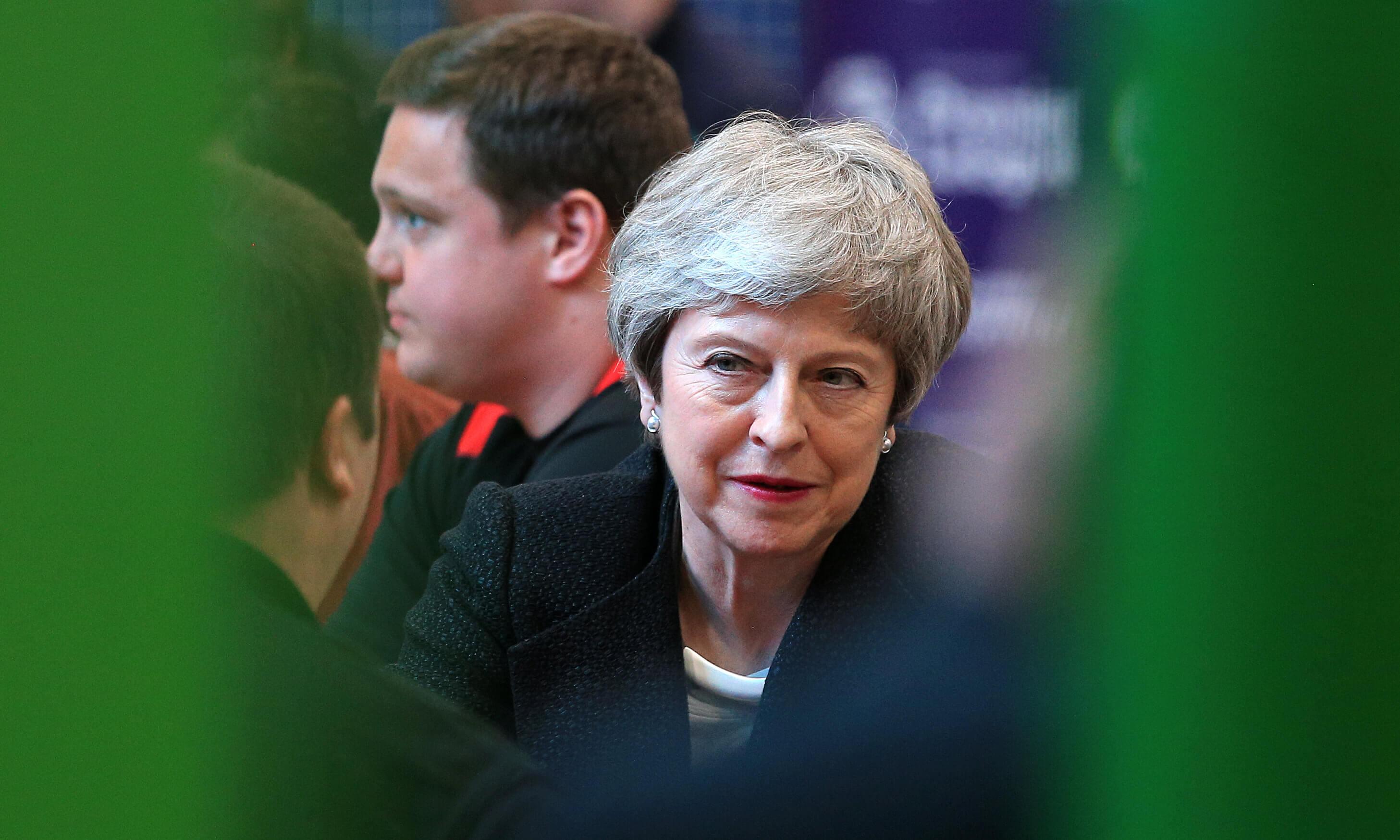 Επιμένουν να ρίξουν την Τερέζα Μέι οι Συντηρητικοί - Ετοιμάζουν νέα πρόταση μομφής