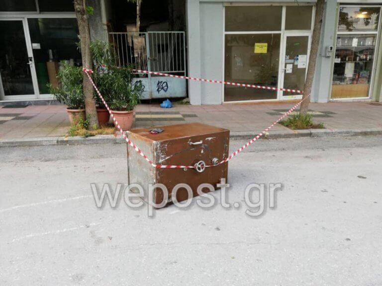 Θεσσαλονίκη: Διέλυσαν το κοσμηματοπωλείο αλλά παράτησαν το χρηματοκιβώτιο στη μέση του δρόμου [pics, video]