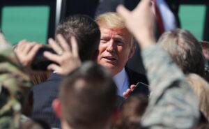 Τραμπ: Παραδέχθηκε… κατά λάθος ότι η Ρωσία τον βοήθησε να εκλεγεί;