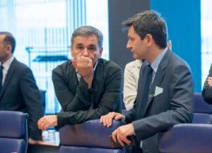 Στρώνουν χαλί για έκτακτες παροχές – Πρώτο τεστ σήμερα στο Euro Working Group