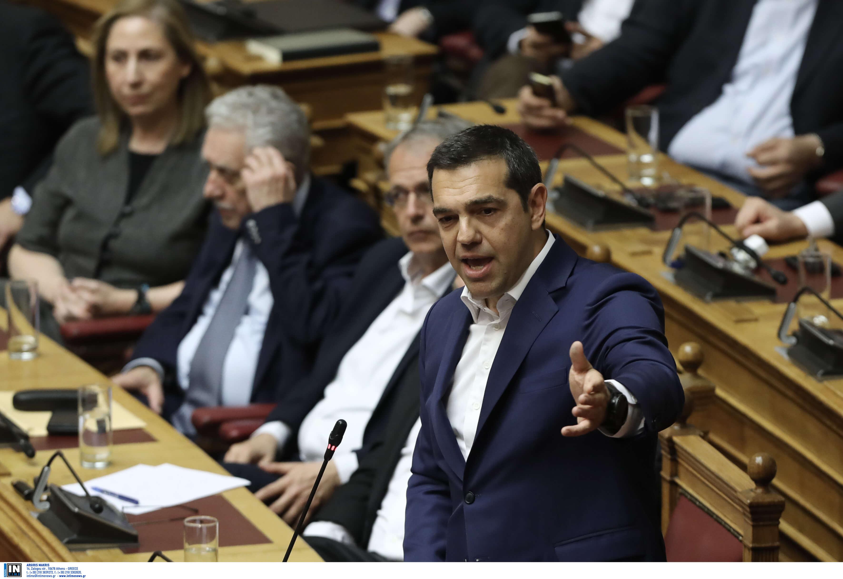 """Ψήφος εμπιστοσύνης: Ένταση ανάμεσα σε Τσίπρα – Λοβέρδο! """"Διαμαρτύρεστε όταν μιλάω εγώ, γιατί είστε τα δεκανίκια της ΝΔ"""""""