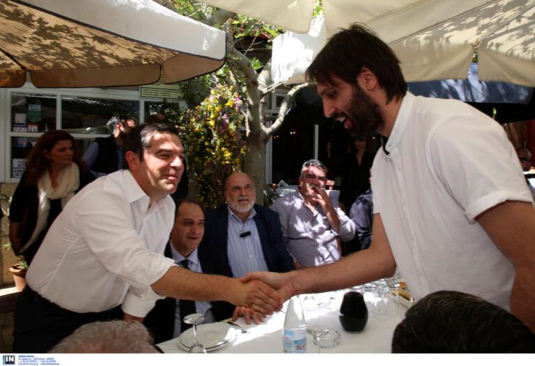Συνάντηση Τσίπρα – Σαμαρά στην Κρήτη! Ο διάλογος για το Μουντιάλ [video, pics]