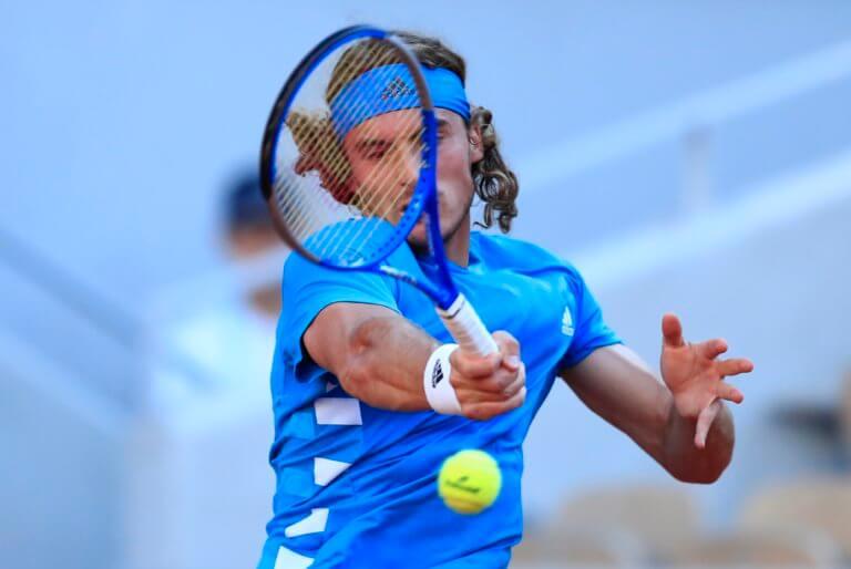 Roland Garros: Διακόπηκε το παιχνίδι του Τσιτσιπά! Πότε θα συνεχιστεί