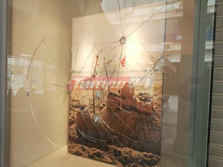 Πάτρα: Γυαλιά καρφιά το κέντρο! Καταδρομική επίθεση σε μαγαζιά [pics]