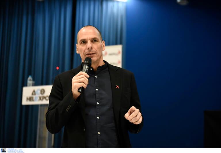 Πως σχολιάζει ο Βαρουφάκης τις εξαγγελίες Τσίπρα – Τι λέει για ΦΠΑ και φόρο «αλληλεγγύης»